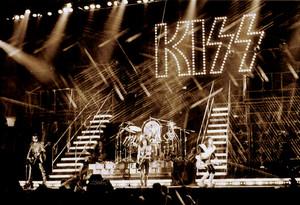 KISS ~San Diego, California…August 19, 1977 (Alive II)