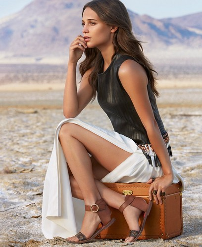 Alicia Vikander wallpaper titled Louis Vuitton (Spirit of Travel 2015 campaign)