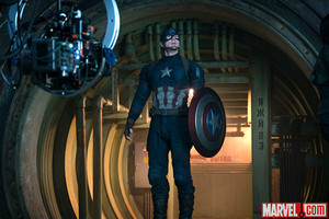 Marvel Reveals New 'Captain America: Civil War' các bức ảnh