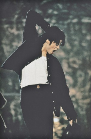 Michael Jackson - HQ Scan - Michael rehearsing for the HBO special (1995)