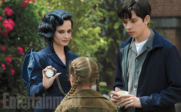 Miss Peregrine's ホーム for Peculiar Children - Miss Peregrine and Jacob