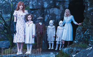 Miss Peregrine's ホーム for Peculiar Children - First Stills!