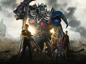 Optimus Prime, Cade, Tessa, and Shane