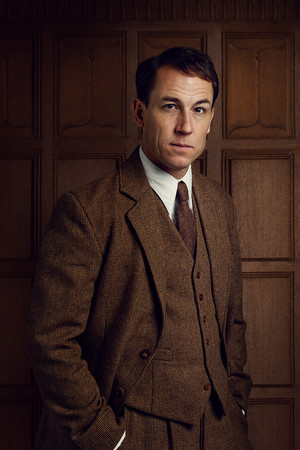 Outlander Frank Randall Season 2 Official Picture