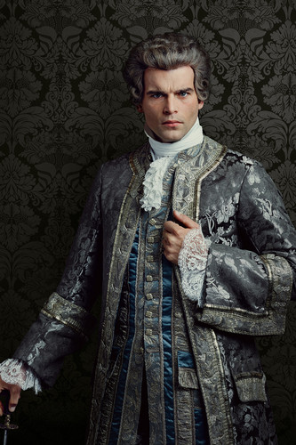 série TV Outlander 2014 fond d'écran called Outlander Le Comte St Germain Season 2 Official Picture