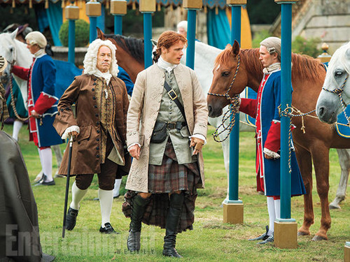 Outlander 2014 TV Series پیپر وال with a horse wrangler, a horse trail, and a lippizan titled Outlander Season 2 Entertainment Weekly Exclusive Picture
