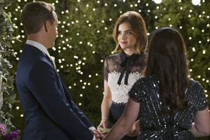 "PRETTY LITTLE LIARS – ""We've All Got Baggage"""