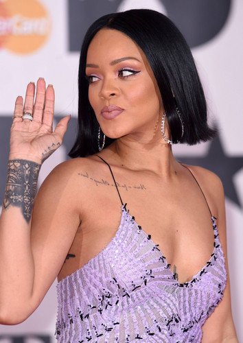 Rihanna wallpaper possibly containing a portrait called Rihanna, 2016 Brit Awards