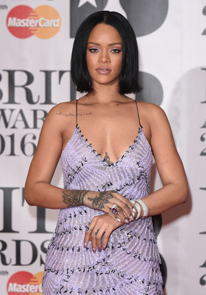 Rihanna, 2016 Brit Awards