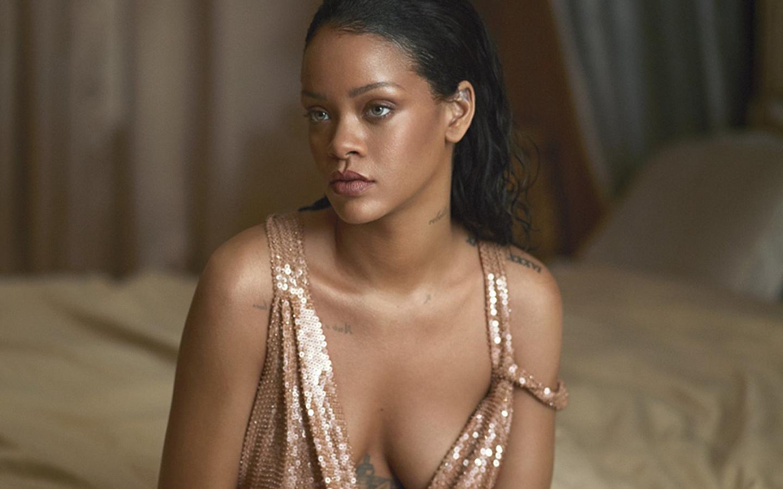 Rihanna Vogue US 2016