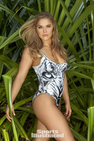 Ronda Rousey - Sports Illustrated baju renang Issue - 2016
