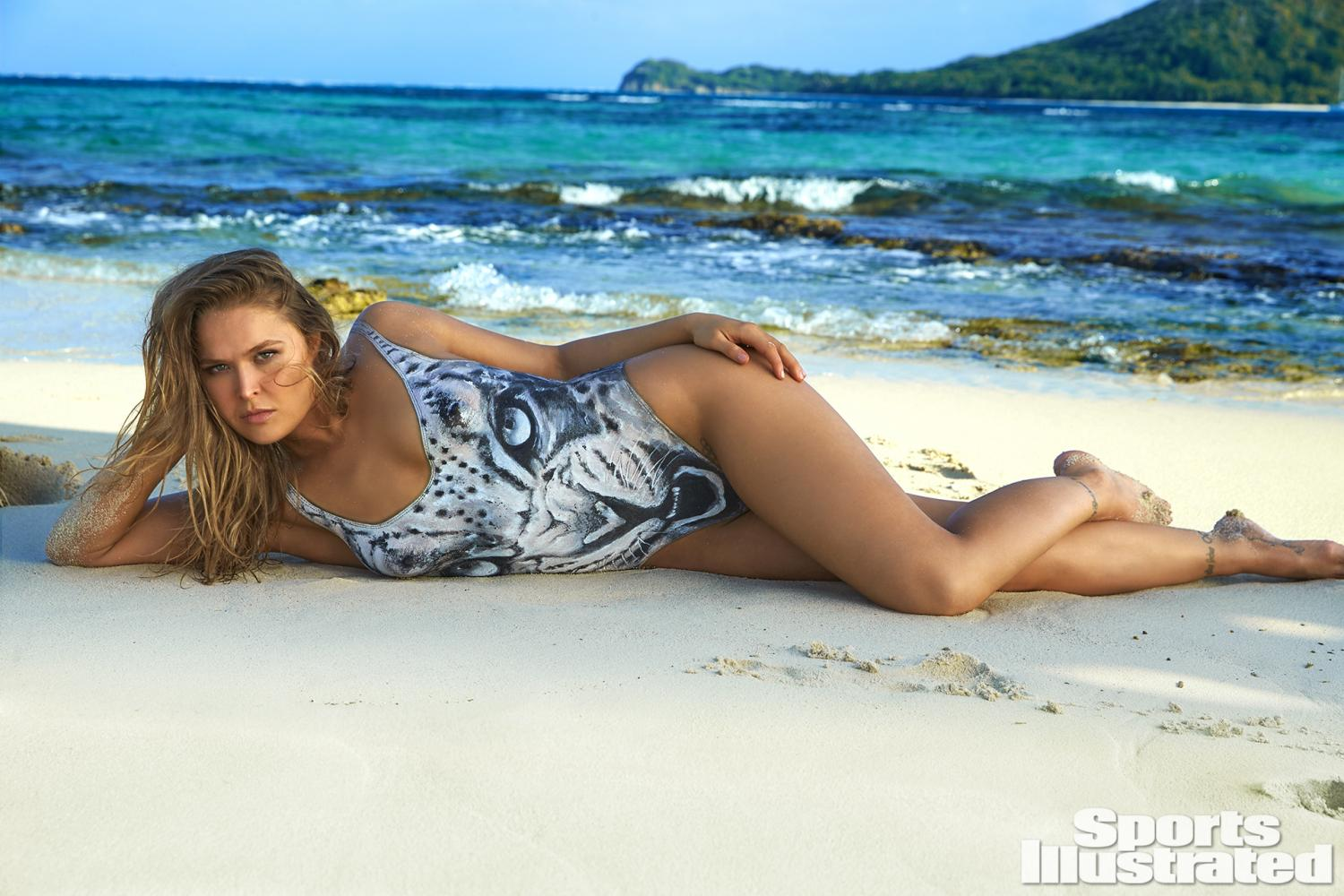 Ronda Rousey - Sports Illustrated swimsuit کا, سومساٹ Issue - 2016