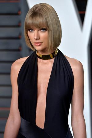 Taylor تیز رو, سوئفٹ at the Oscars 2016 'Vanity Fair' party