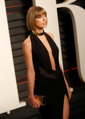 Taylor pantas, swift at the Oscars 2016 'Vanity Fair' party