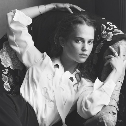 Alicia Vikander wallpaper probably with an outerwear, a bouquet, and a cappuccio titled The modifica 2015 photoshoot