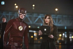 The Flash - Episode 2.15 - King squalo - Promo Pics