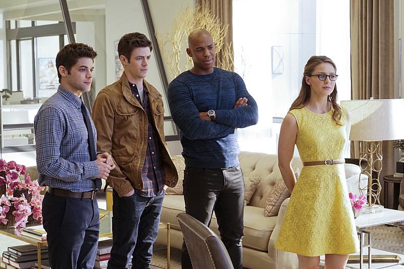 The Flash / Supergirl