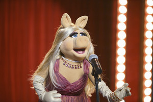 "The Muppets - New Episode ""Swine Song"""