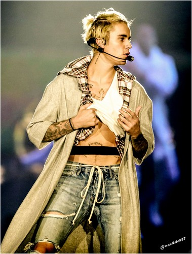 Justin Bieber Hintergrund probably with a hip boot, bellbottom trousers, and long trousers called justin bieber,2016