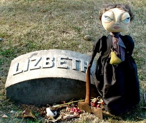 lizzy 20grave 20with 20doll