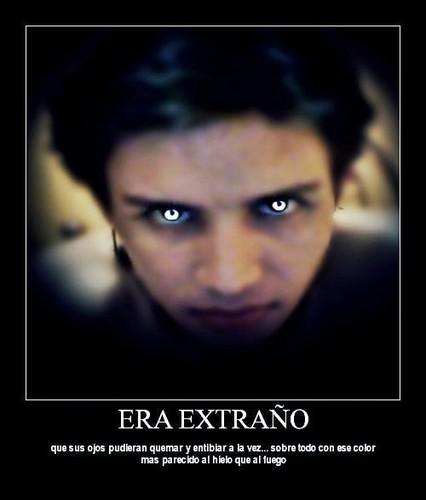 The Exorcist fondo de pantalla probably containing a portrait entitled observa la silla de terror vampire