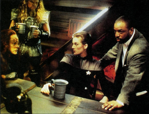 nyota Trek: Deep Space Nine karatasi la kupamba ukuta titled tumblr njkkerf4pK1t18lxco1 500