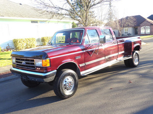 1991 Ford F 350 XLT Lariat 4x4 Crew Cab.