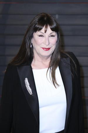 Anjelica Huston (2016)