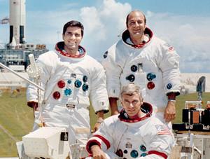 Apollo 13 crew b HR - NASA Apollo Program Photo (40006051