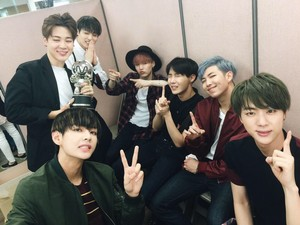 Bangtan Boys group चित्र ♥