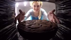 Elsa's cake