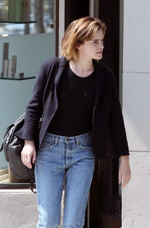 Emma Watson in West Hollywood [April 12, 2016]