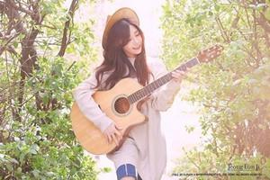 Eunji strums her guitar for bright 'Dream' teaser images!