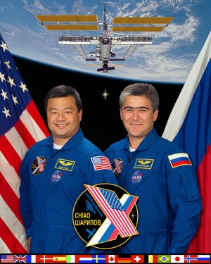 Expedition 10 Mission Crew