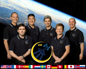 Expedition 16 Mission Crew