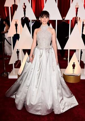 Felicity Jones at the 2015 Academy Awards