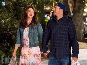 Gilmore Girls - First Look Promotional Photos