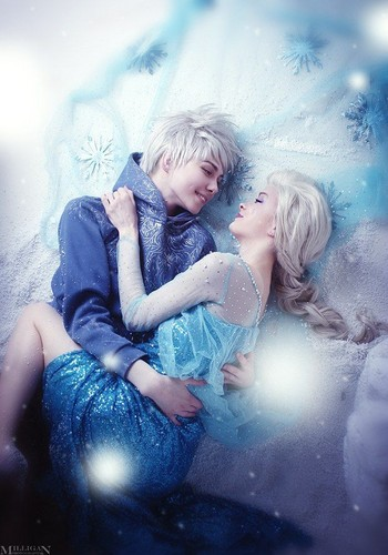Elsa & Jack Frost karatasi la kupamba ukuta probably containing a hot tub, skin, and a portrait titled Jack and Elsa Cosplay