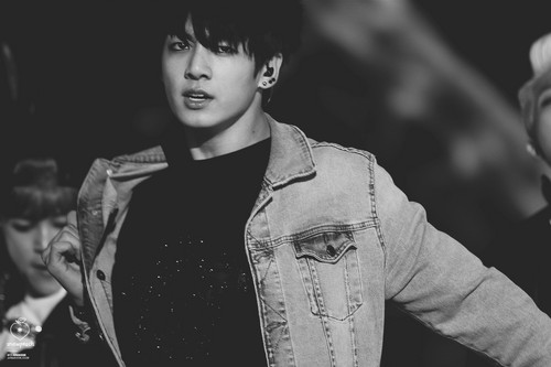 jungkook (bts) fondo de pantalla probably with a well dressed person and a business suit titled Jungkook HQ foto ♥