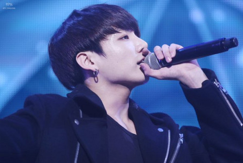 Jungkook (BTS) achtergrond probably with a concert titled Jungkookie | BTS ♥