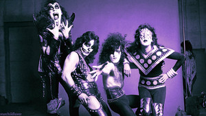Kiss ~Hollywood, California…August 18, 1974 (Hotter than Hell фото shoot)