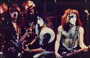 吻乐队(Kiss) ~London, England…May 15, 1976 (Destroyer tour)