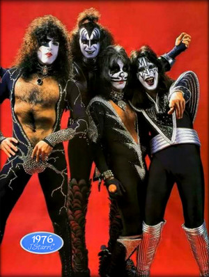 kiss (NYC) April 9, 1976 (Destroyer/red)