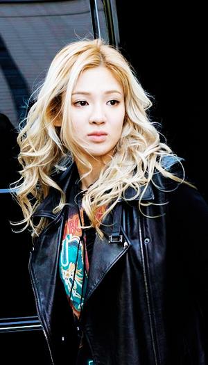 Kim Hyoyeon Phone Backgrounds