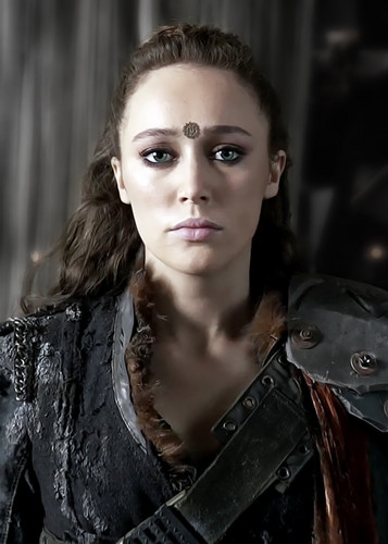 Commander Lexa (The 100) fond d'écran possibly containing a cleaver called Lexa