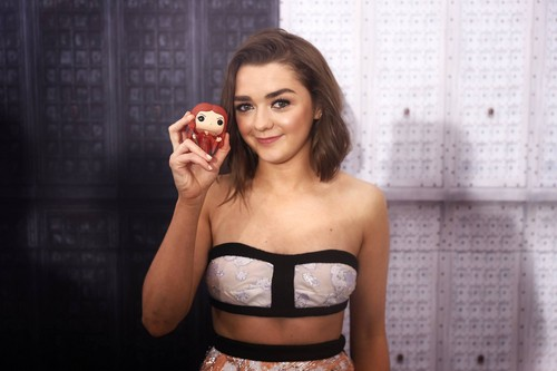 Game of Thrones پیپر وال titled Maisie Williams