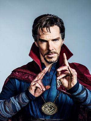 NEW Official foto of Benedict Cumberbatch as Doctor Strange