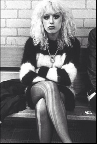 beroemdheden who died young achtergrond called Nancy Laura Spungen (February 27, 1958 – October 12, 1978)