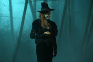Once Upon a Time - Episode 5.16 - Our Decay