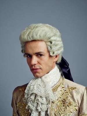 Outlander King Louis XV Season 2 Official Picture